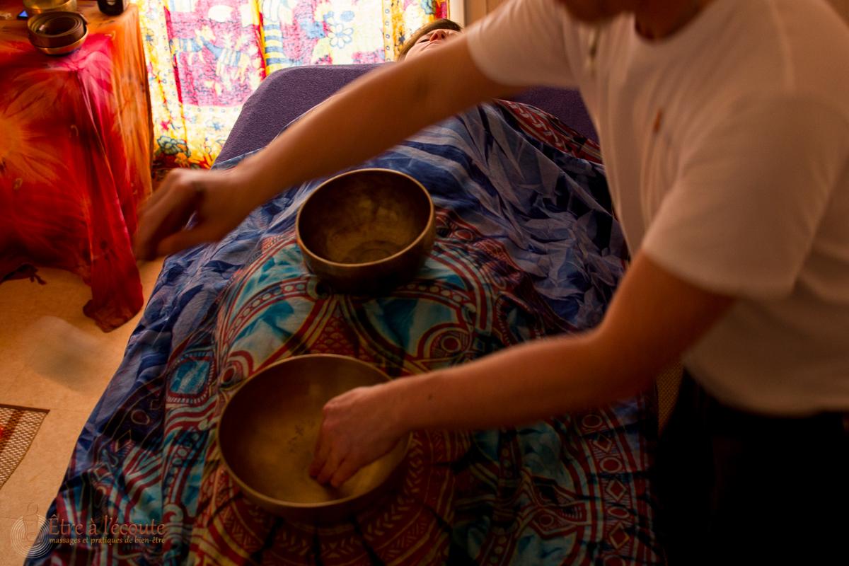 Être à l'écoute : Massage sonore